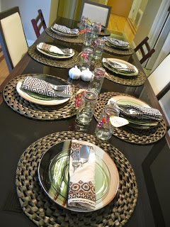 4th Annual Girls Thanksgiving – Table settings